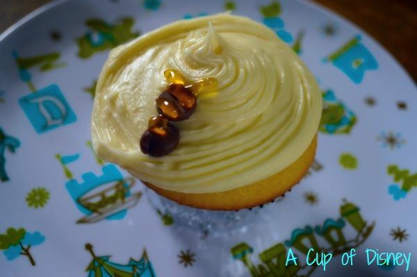 Lemon Bumblebee Cupcake