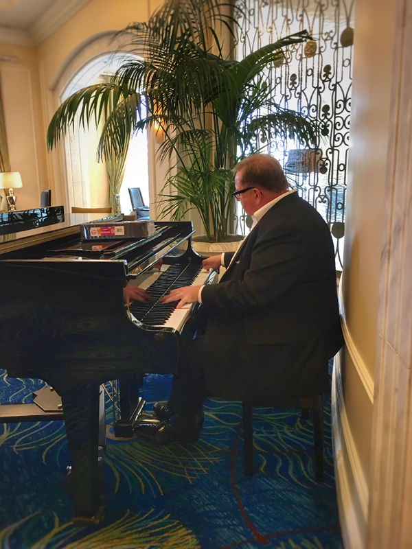 Waldorf Astoria Orlando Royal Tea Pianist
